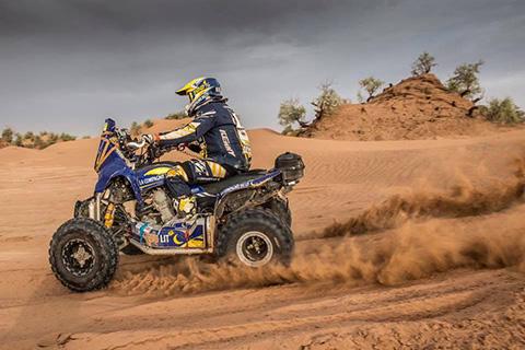 Course de quad dans le désert